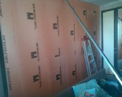 Утепленная пеноплексом внутренняя стена, в пароизоляции нуждается редко