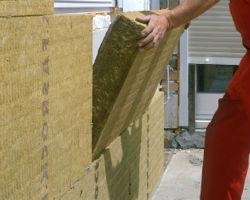 Укладка минеральной ваты для утепления стен