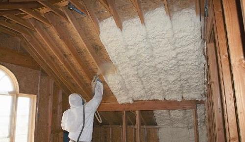 Теплоизоляция крыши мансарды пенными утеплителями