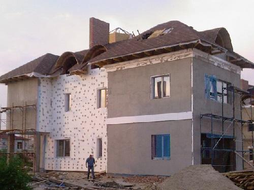 Дом утепленный с помощью пенопласта