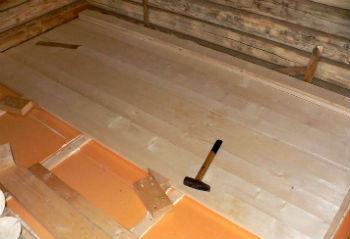 Пример монтажа дощатого настила на утепленный пеноплексом деревянный пол