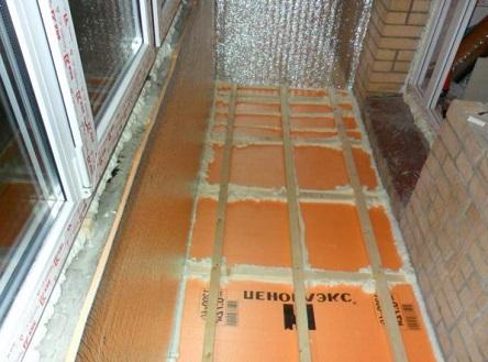 Утепленный с помощью Пеноплекса балконный пол