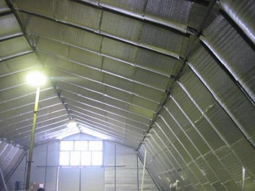 Экранирующая теплоизоляция кровли промышленного помещения