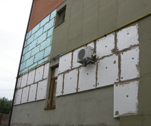 Утепление здания снаружи пенопластом