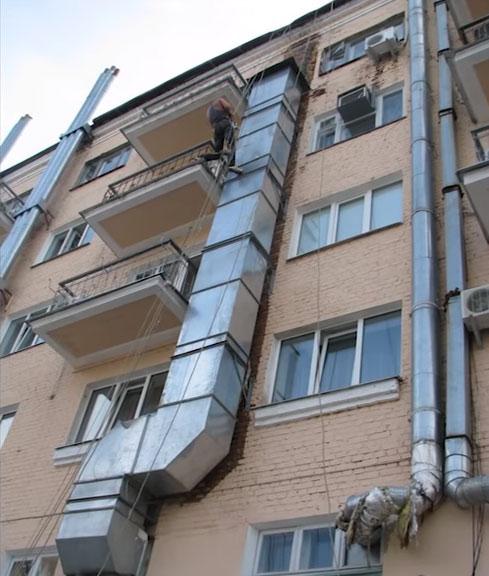 вывод вентиляции по фасаду до крыши здания