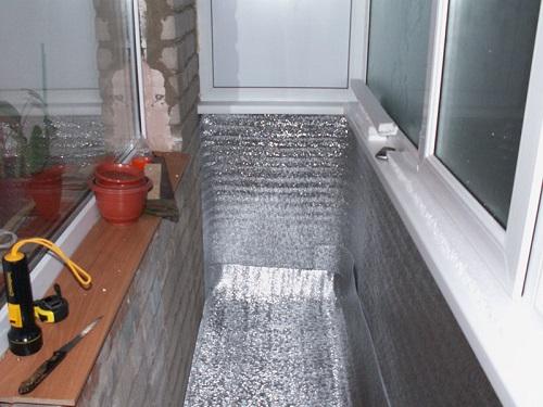 Теплоизоляция балкона фольгированным утеплителем