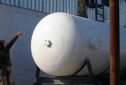 Утепление Броней промышленного резервуара с помощью распылителя