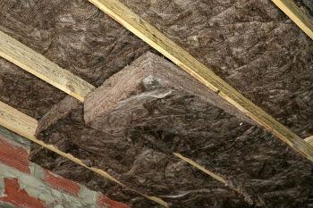 Использование минеральной ваты для утепления потолков