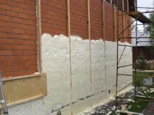 ППУ теплоизоляция наружной части кирпичных стен