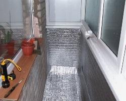 Балкон утепленный фольгированным пенофолом