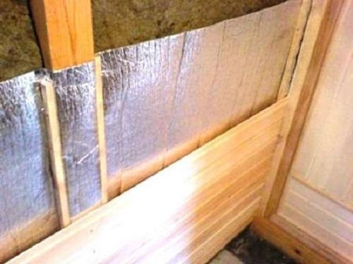 Утепление стен сауны минеральной ватой и фольгированным материалом