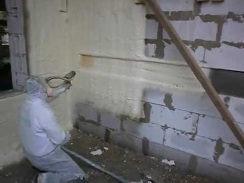 Утепление стены пенополиуретаном с помощью напыления