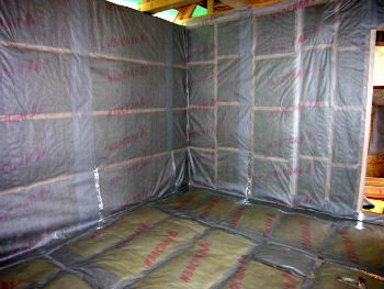 Применение пароизоляции Изоспан для отделки внутренних стен