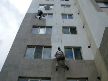 Жидкой теплоизоляцией защищают даже фасады