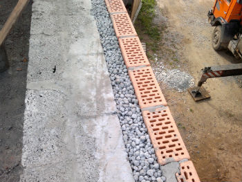 Использование керамзита для утепления пустотелых стен
