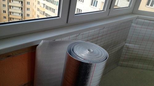 Теплоизоляция стен балкона пенофолом