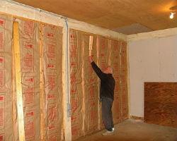 Процесс утепления стен внутри дома