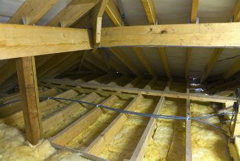 Пример наружного утепления потолка минеральной ватой в бане