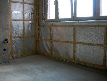 С помощью Пенофлекса без проблем утепляют стены в любом доме